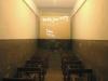 """Jedna z czterech cel zbiorowych w gmachu gestapo w al. Szucha nazywanych """"tramwajami"""", w których przywiezieni z Pawiaka więźniowie oczekiwali na przesłuchanie."""