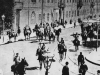 Wzmocnione patrole wojskowe na ulicach Warszawy w czasie rewolucji 1905 r.